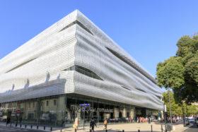 SADEV_Musee-dela-romanite_facade-ecailles-de-verre_glass-scale-facade